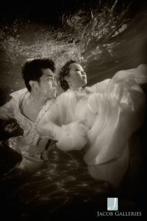 Spectacular Bride_JcbGalleriesStyleShootUnderwaterBLOG04