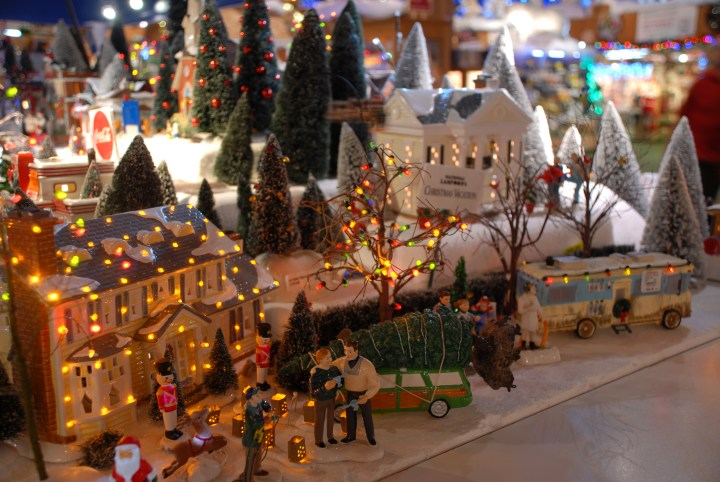 National Lampoon's Christmas Vacation Department 56 Village Pieces