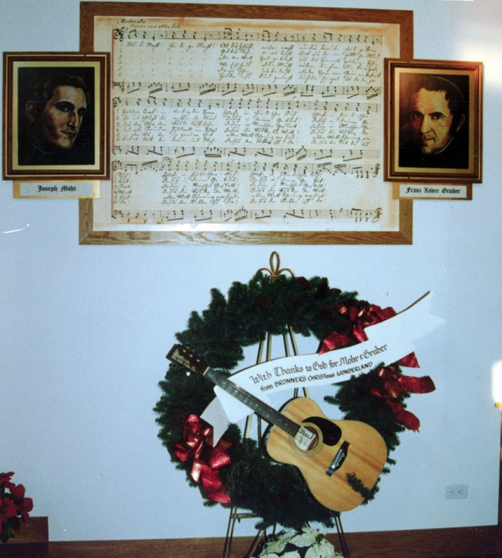 I14---Wreath-with-guitar-in-chapel