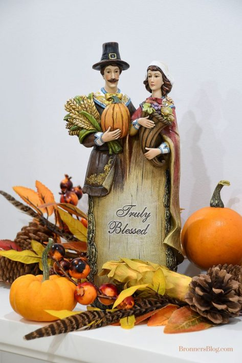 Truly Blessed Thanksgiving Pilgrims Figurine & Autumn Garland Fall Decor