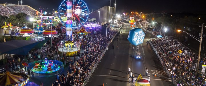 Christmas Parades in Texas – Saddle Up!