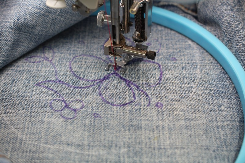 Embellishing Jeans with Free Motion Embroidery - Color with thread