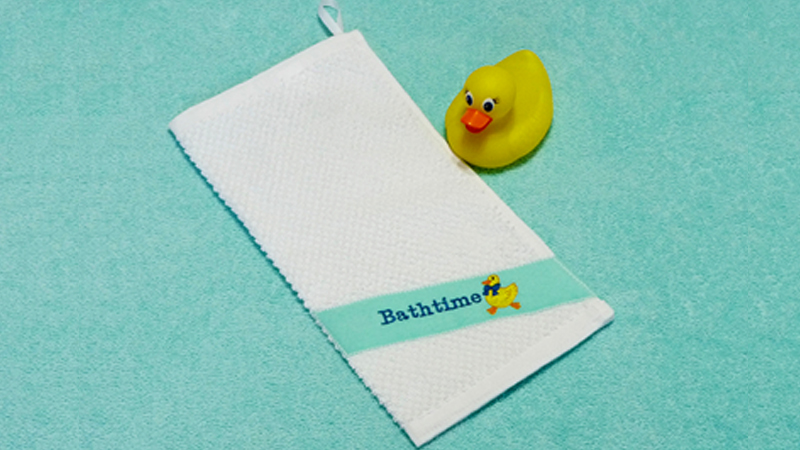 April Free Design: Embroidered Bath Mitt