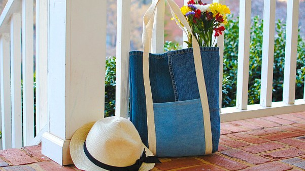 Earth Day DIY: Tote Bag from Upcycled Jeans