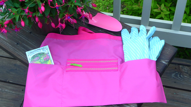 Foot of the Month: Garden Apron with Zippered Pocket