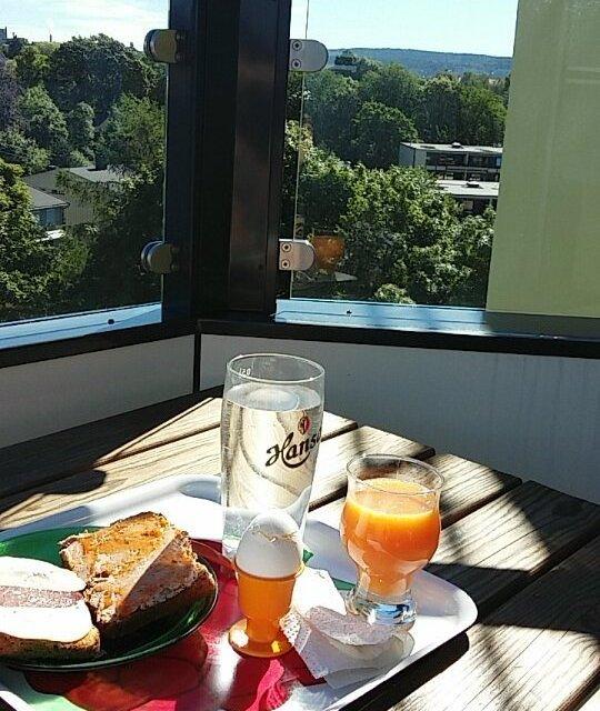 Makset solskinn til frokost sunny breakfast today kormecrib Continue readinghellip