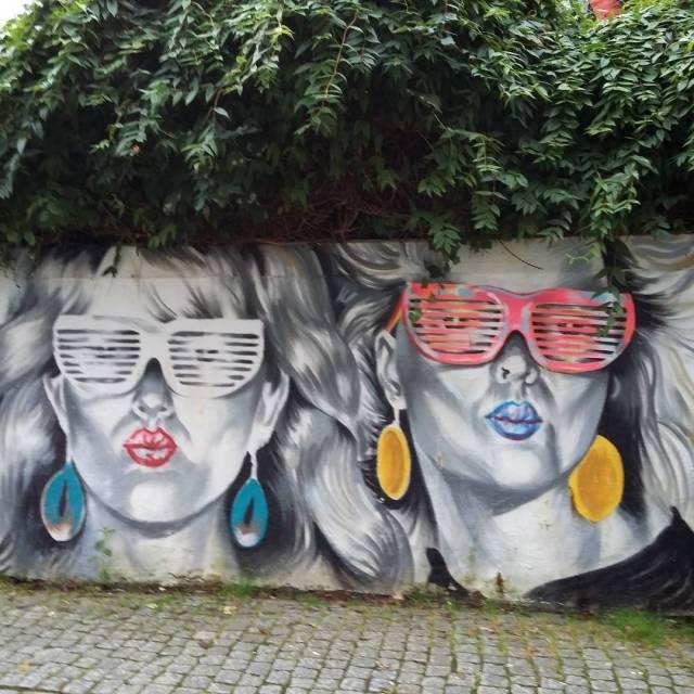 streetart coolladies Continue reading rarr