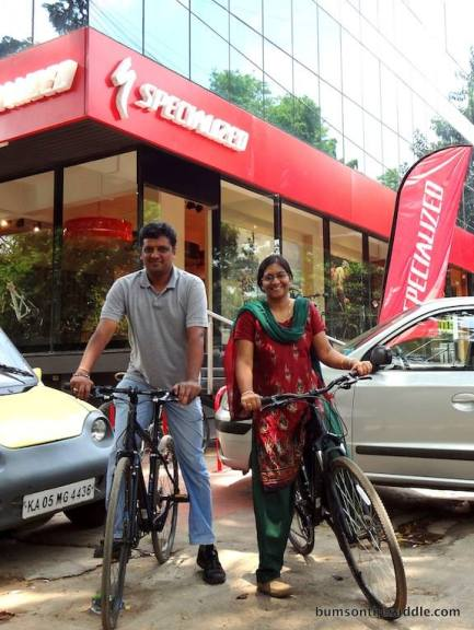 Commuters in Bangalore - in front of BOTS and the Specialized Concept store