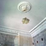 Die Lampen stammen aus der Zeit, als das Gebäude als Kinderheim genutzt wurde.