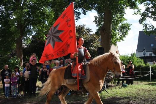 Einer der Höhepunkte des Jahres auf Burg Posterstein: Das Mittelalterspektakel mit Ritterturnieren - jedes Jahr zu Pfingsten.