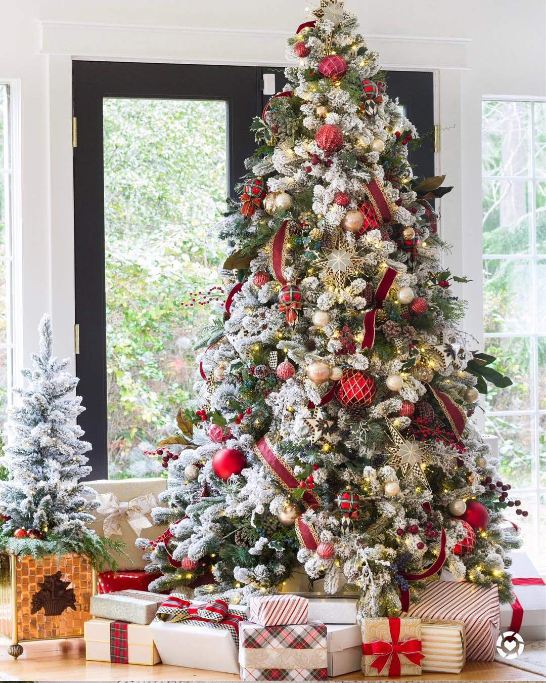 Beautiful Christmas Tree | Zevy Joy Blog