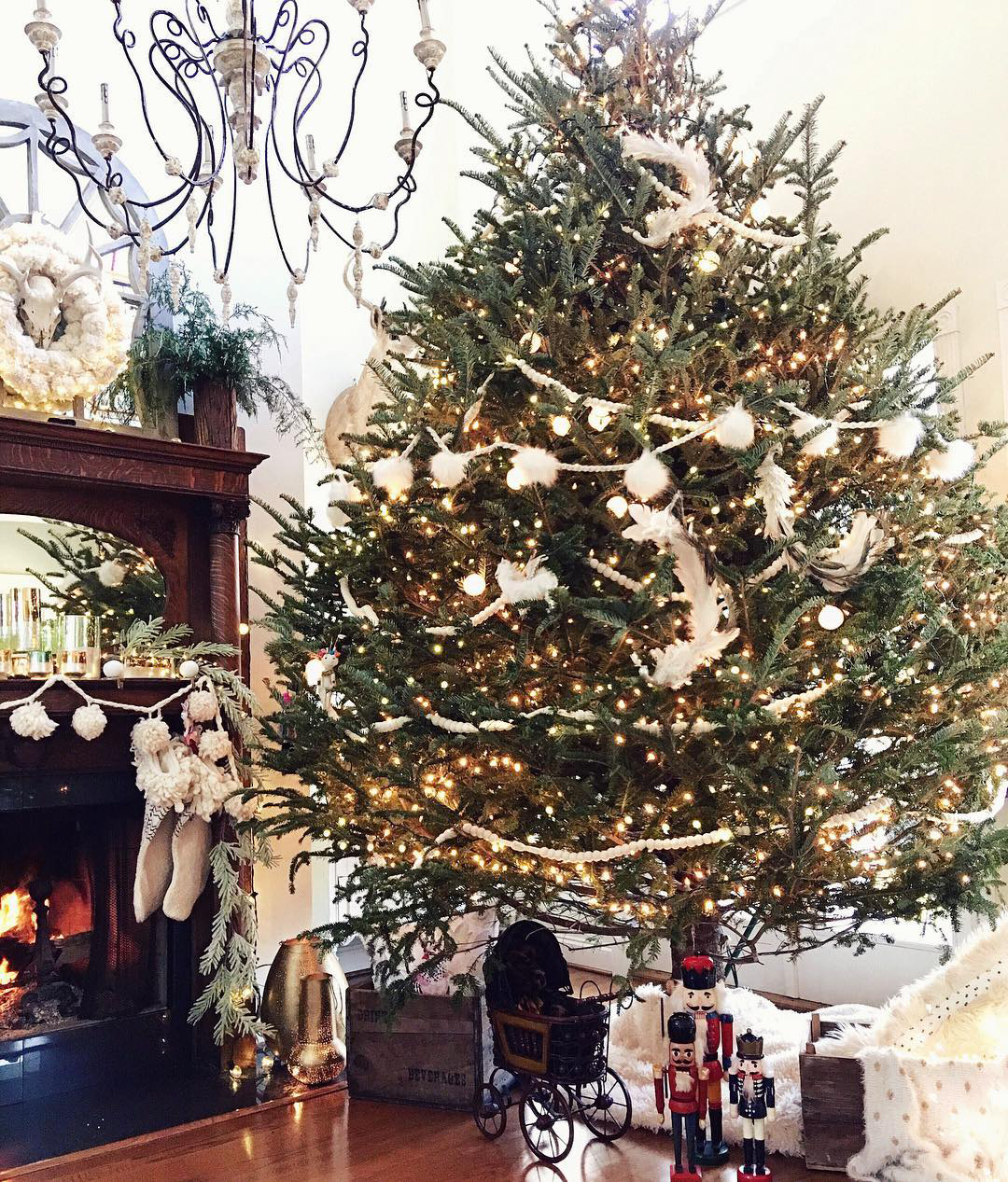French Country Christmas Tree | Ivory Home Design
