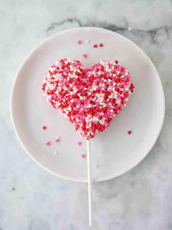 Valentine's Rice Krispie Treats | Foodie Crush