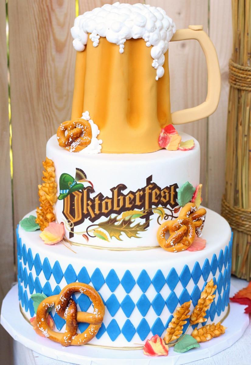 pretzel wheat and beer stein details on this oktoberfest -themed custom cake