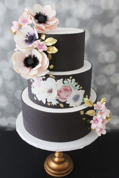 black wedding cake trend for 2019 by French NJ bakery Café Pierrot