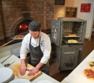 Léal Pizza Oven - Cambro Blog