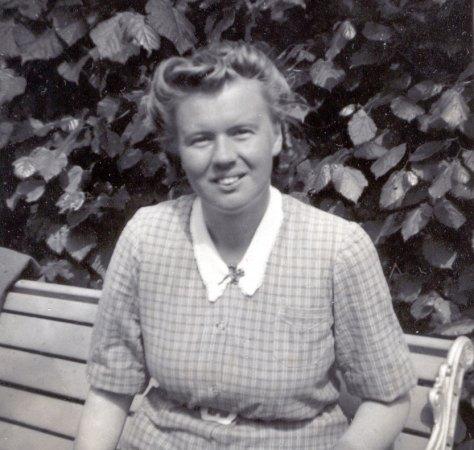Elsa Lundh som ung flicka
