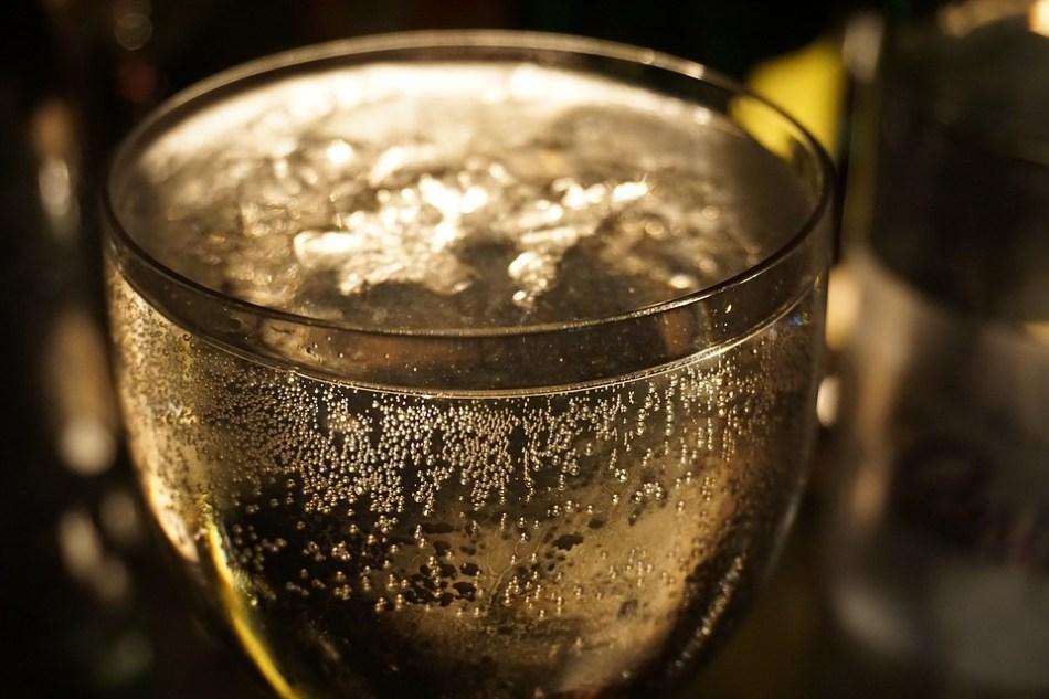 Bicchiere di vino Franciacorta