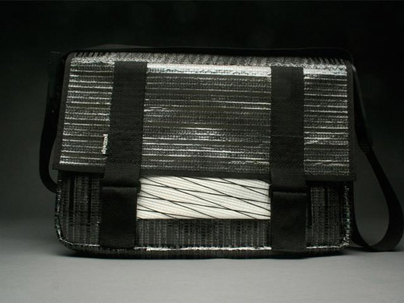 RAGGEDedge Messenger Bag - Carbon Fiber Black / White Xply