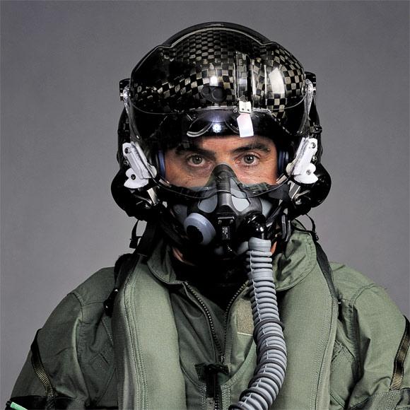 1-carbon-fiber-hmds-helmet.jpg?resize=580%2C580&ssl=1