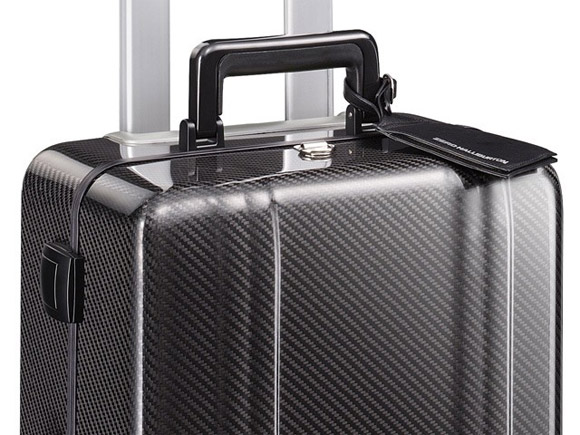 Zero Halliburton carbon fiber carry on suitecase handle
