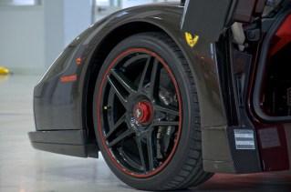 Exposed carbon fiber Enzo Ferrari wheel