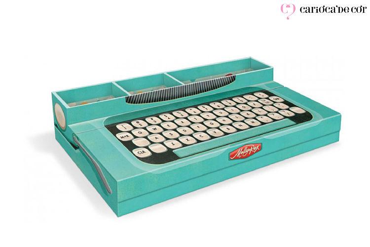 Porta caneta com formato de teclado