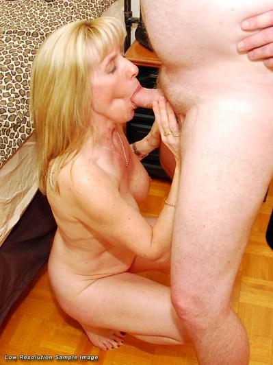 Carol Cox - CUM on my Pussy