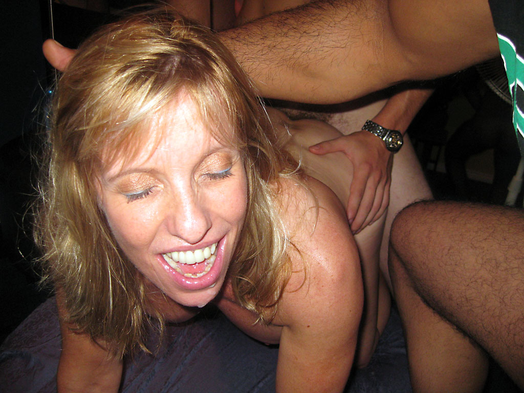 moms teaching daughters to fuck