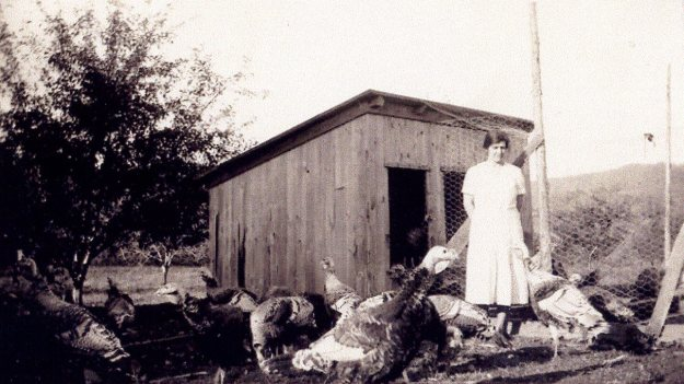 Agnes Biggs Hall and the turkeys, around 1922