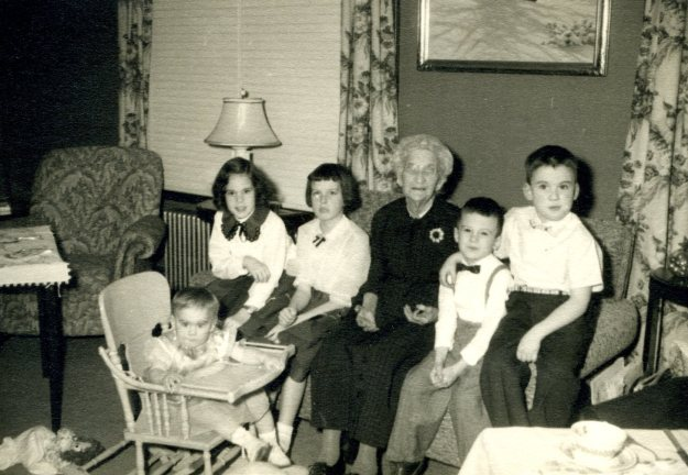 Jeannie Collins, (in highchair), Carol Crump, Sue Collins, Charlotte Sophia Barton, Kirt Crump, Skip Collins