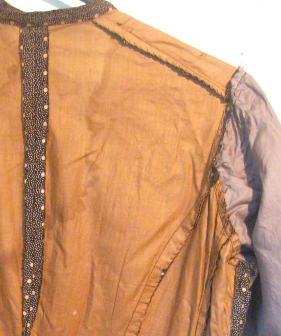 Lining and seams of dress