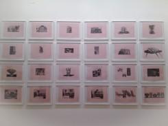 Tamara Arroyo, Case Romane, veduta dell'installazione presso la Reale Accademia di Spagna, Roma, 16 disegni a matita su carta millimetrata