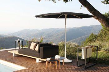 Arredo terrazzo e giardino idee e mobili di design l'ombrellone PALMA prodotto da Royal Botania