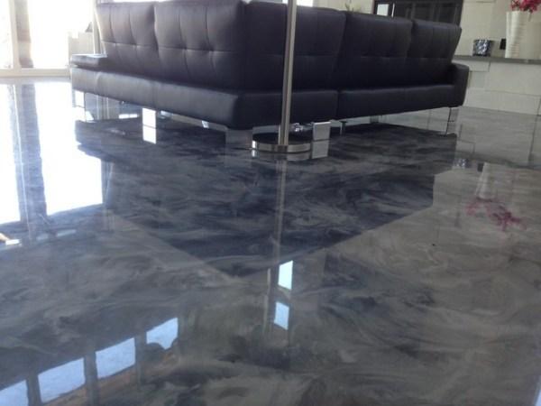 pavimento in porcellanato liquido in soggiorno