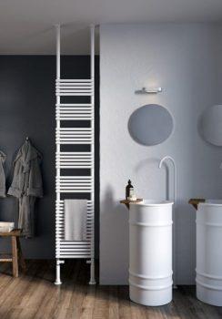 nascondere i sanitari in bagno: Termoarredo a bandiera Antrax