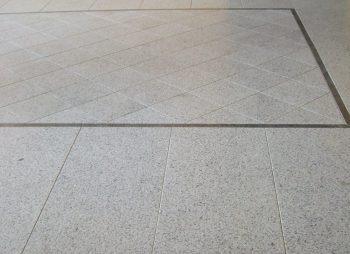 Pavimentazione in Granito Bianco di Montorfano (Godi Graniti)