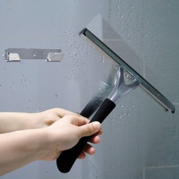 pulire box doccia con tergivetro per doccia Novellini