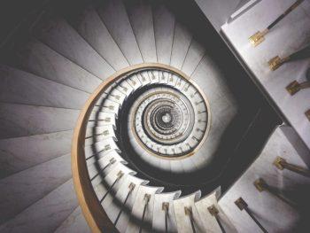 ripartizione spese condominiali luce e pulizia delle scale
