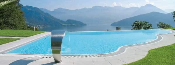 piscina monoblocco vetroresina prefabbricata