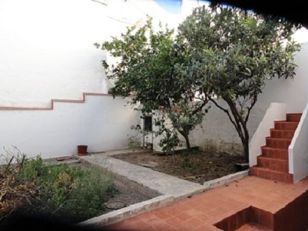 casa en venta en mahon con jardin
