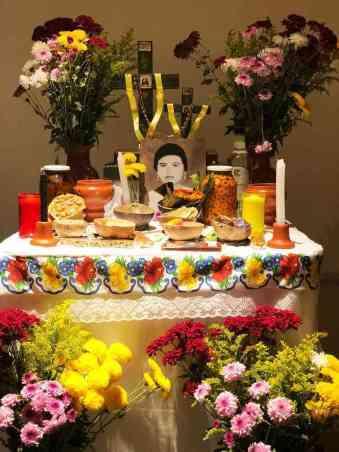 el mucbipollo, El delicioso festín de los difuntos yucatecos: el mucbipollo., Casas en Valladolid
