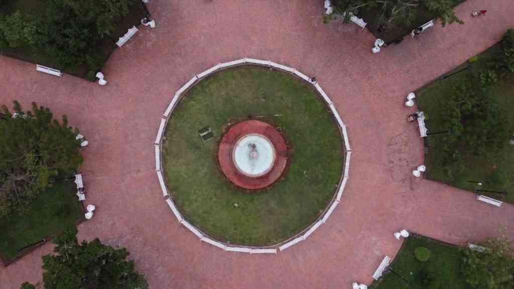 Parque Principal de Valladolid: Francisco Cantón Rosado., Parque Principal de Valladolid: Francisco Cantón Rosado., Casas en Valladolid