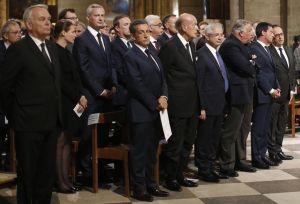 Politiques et anonymes à Notre-Dame de Paris pour le père Hamel