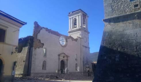 La cathédrale de Norcia détruite