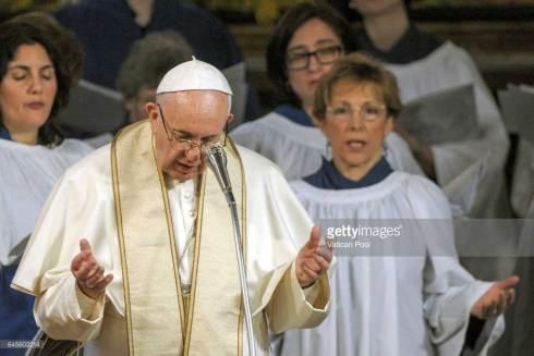 François approuve la participation active à des rites liturgiques non catholiques, hérétiques, schismatiques et même invalides.