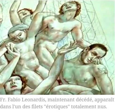 Le 'Père' Fabio Leonardis, aujourd'hui décédé, apparaît dans l'un des filets «érotiques» totalement nus.