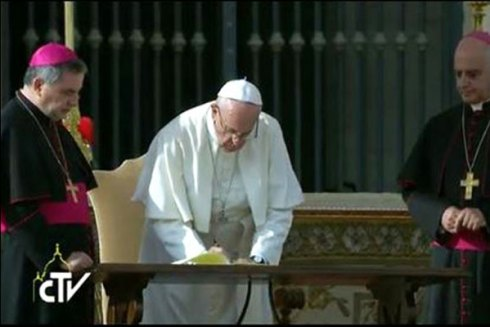 Bergoglio, alias le Clown Blanc