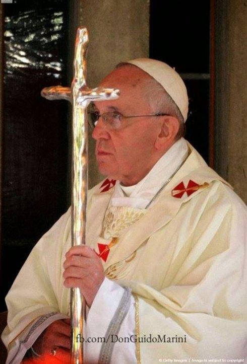 Une Ferula utilisée par le Clown Blanc au cours de certaines célébrations de la semaine Sainte.
