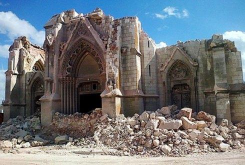 De plus en plus d'églises sont détruites...
